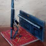 pianiste, carton découpé peint