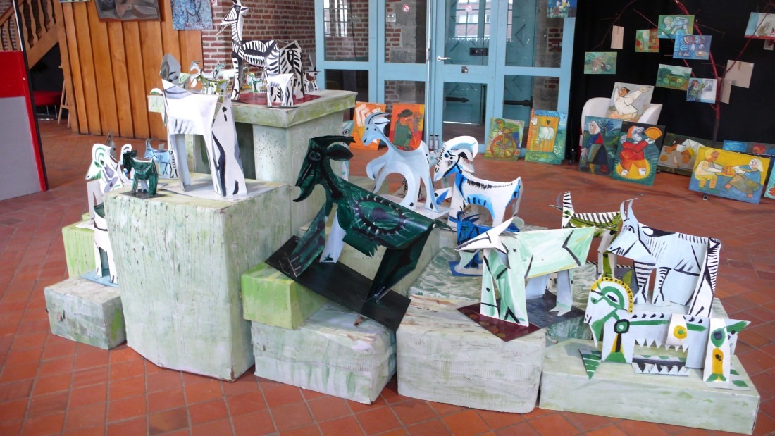 Exposition Raymond Debieve à Maubeuge - sculpture chèvres