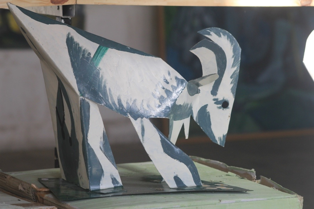 Chèvre, métal peint